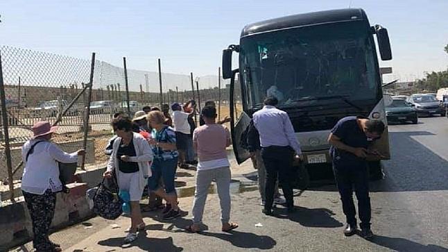 إصابة 17 شخصا في تفجير استهدف حافلة سياحية أمام المتحف المصري