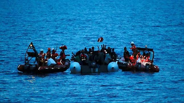 السلطات المغربية توقف 271 مهاجرا سريا في « قوارب الموت »