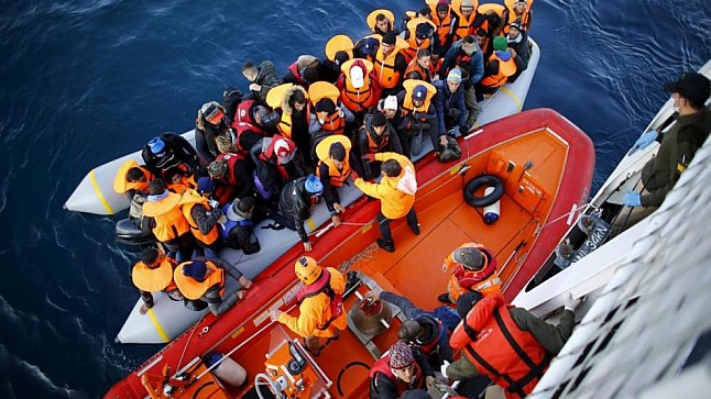 البحرية تنقذ 242 مرشحا للهجرة السرية شمال المملكة