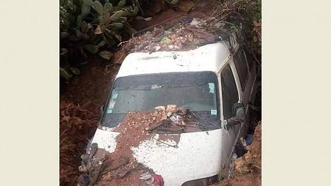 سلطات الحوز تكشف تفاصيل طمر سيارة بسبب انجراف التربة
