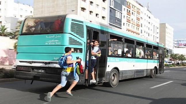 """خطير : مراهق """" يختطف """" حافلة للنقل الحضري بالدار البيضاء"""