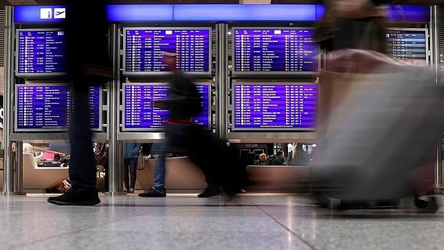 مطار فرانكفورت يؤجل رحلات الأحد بسبب قنبلة