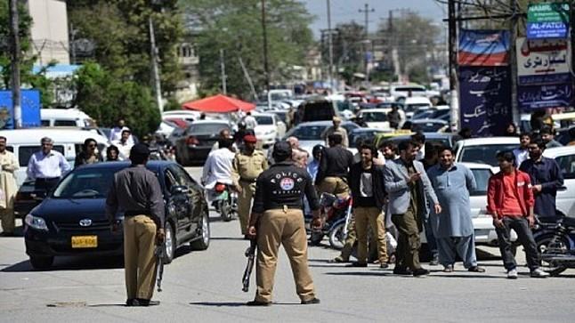 قتلى وجرحى بهجومين لطالبان على مستشفى ونقطة للشرطة بباكستان