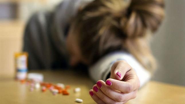 شابة تضع حد لحياتها بعد تناولها كمية كبيرة من الأدوية