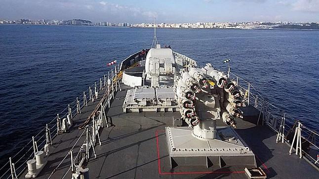 مناورات عسكرية بحرية مغربية هندية في سواحل طنجة