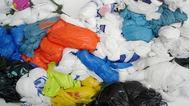 ضبط مستودعين سريين لإنتاج الأكياس البلاستيكية في المحمدية وحجز 4.3 أطنان منها