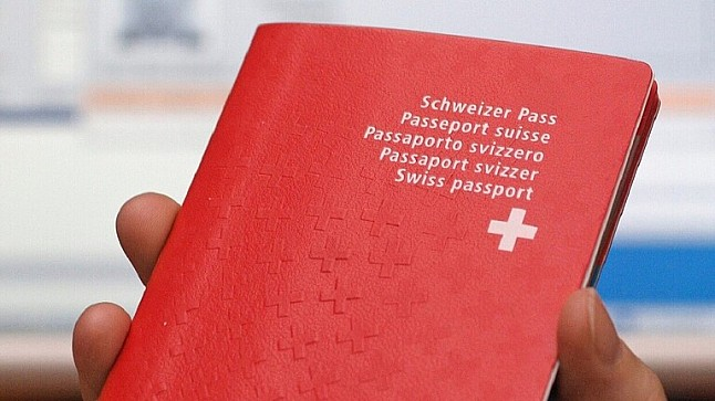 """للمرة الأولى.. سويسرا تسحب جنسيتها من شخص متهم بـ """"التواطؤ مع الإرهاب"""""""