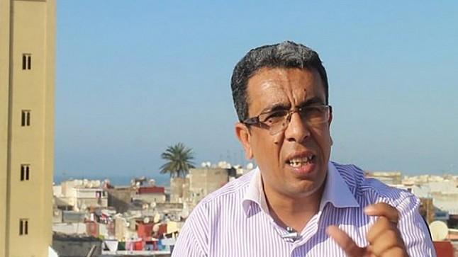 خطير جدا :  الصحافي المهداوي تعرض للضرب ومدير السجن احرقه