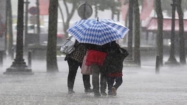 طقس الأحد : تساقط أمطار مرفوقة بزخات رعدية قوية