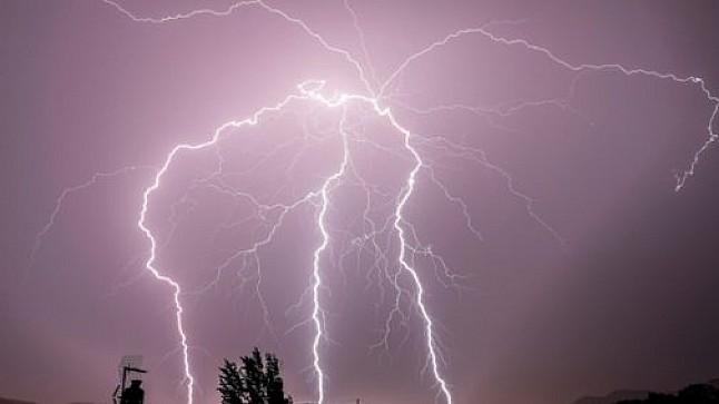 توقعات حالة الطقس اليوم السبت: غيوم وأمطار رعدية