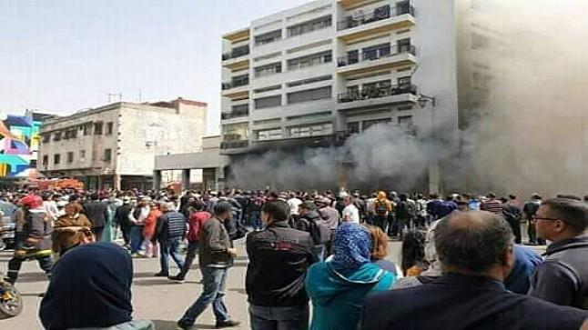 """اندلاع حريق مهول داخل محل لـ """"بزارات"""" بمراكش"""