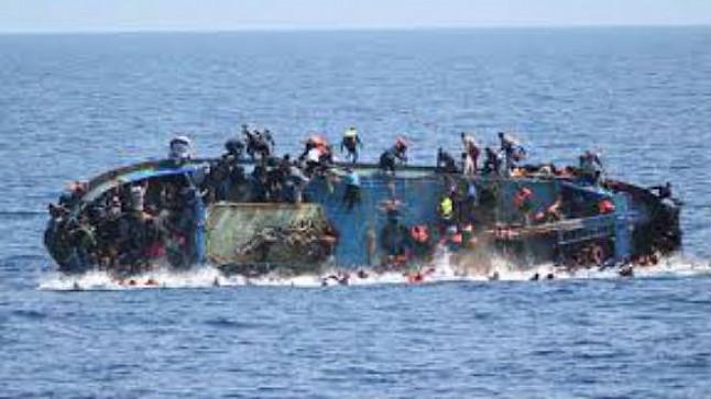 مصرع سيدتين وغرق العشرات إثر غرق قارب بسواحل جنوب إيطاليا