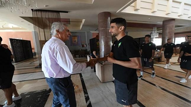 خليلهودزيتش يدعم المنتخب الوطني المحلي قبل مواجهة الجزائر- صور