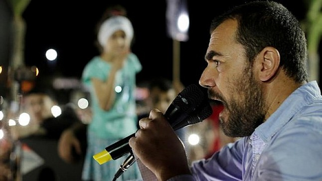 وفد رسمي يزور الزفزافي لإقناعه بإيقاف إضرابه عن الطعام.. وهذا الأخير يضع شروطه