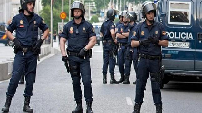 """إسبانيا ترحل شابا مغربيا متهم بـ""""التحريض على التمرد"""""""