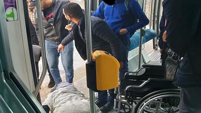"""الشبكة المغربية للدفاع عن الحق في الصحة"""" تطالب بمجانية النقل لذوي الاحتياجات الخاصة"""