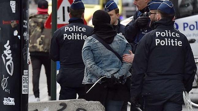 """بلجيكا تقرر ترحيل """"إرهابي"""" مغربي بسبب إصابته بالسيدا.. والمعني يرفض"""