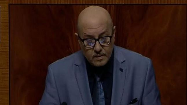 """برلماني يجرُ الرميد للمساءلة بسبب """"التضييق على حرية الرأي والتعبير"""""""