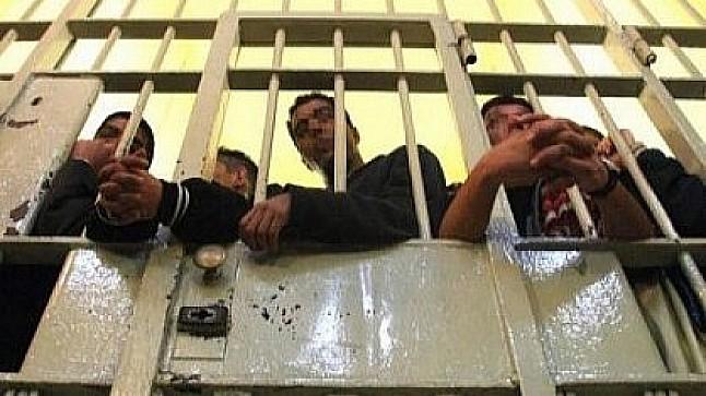 تقرير رسمي : ثلاثة آلاف سجين مغربي مصابون بأمراض نفسية