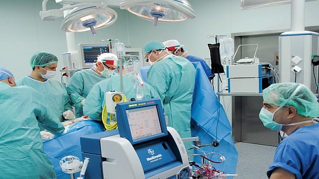 """نقابة: العاملون بالقطاع الصحي لم يستفيدوا من أي تكوين لمواجهة """"كورونا"""""""
