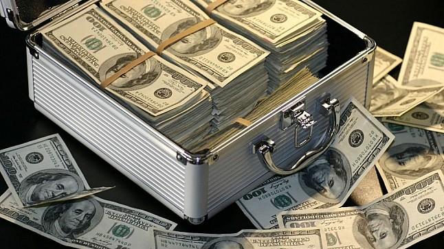 """بسبب """"كورونا"""".. أغنى 500 شخص في العالم يخسرون 444 مليار دولار"""