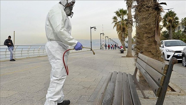 """منظمة الصحة العالمية: رش المطهرات في الشوارع لا يقضي على """"كورونا"""" وينطوي على مخاطر صحية"""