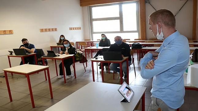 إيطاليا تتجه لفتح المدارس في منتصف شتنبر وسط مخاوف من تزايد الإصابات