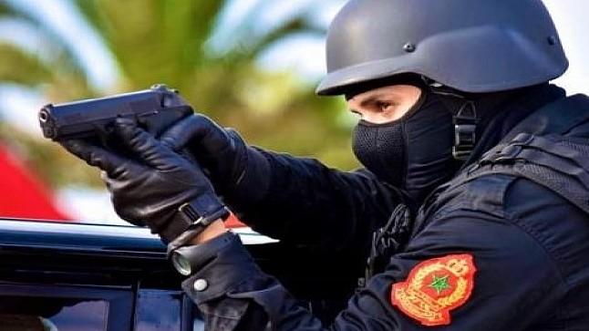 فاس.. مفتش شرطة يضطر لاستعمال سلاحه الوظيفي لتوقيف أحد المجرمين