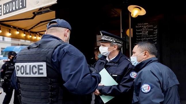 فرنسا.. جرح شرطيين في حادث إطلاق نار بمنطقة باريس وسرقة أسلحتهما