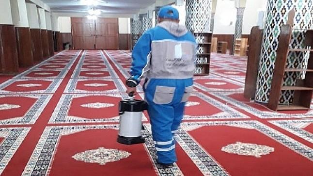 تنظيم عملية تعقيم واسعة لجميع المساجد التي ستقام بها صلاة الجمعة