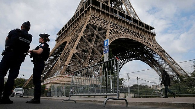 الرئيس الفرنسي ماكرون يعلن رفع الإغلاق يوم 15 دجنبر