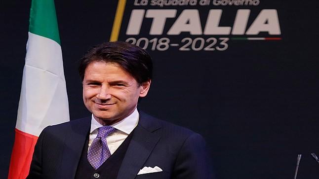 رئيس وزراء إيطاليا يستقيل من منصبه