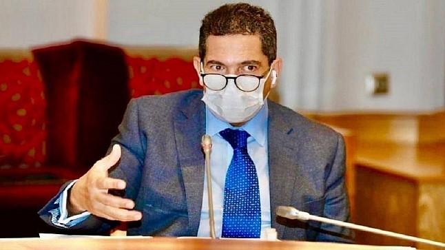 """نقابات تعليمية تطالب بفتح تحقيق في اتهام الأساتذة بـ""""الرشوة"""""""
