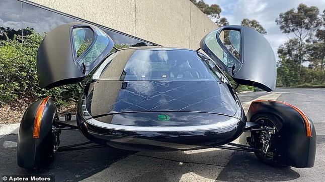 بسعرٍ مغرٍ…أول سيارة تعمل بالطاقة الشمسية في الأسواق نهاية 2021