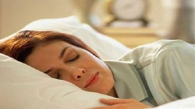 النوم المتقطع يعرض النساء لخطر الموت المبكر