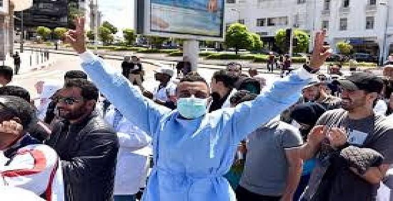 بعد إصابة 200 ممرضا بفيروس كورونا..احتجاجات وسط المهنيين وتقنيي الصحة